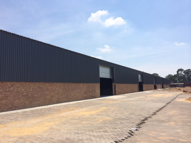 Olifantsfontein Warehouse with large yard