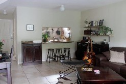 Secure 3 Bed Duplex with Garage and Garden