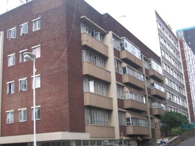 South Beach flat to let in Durban