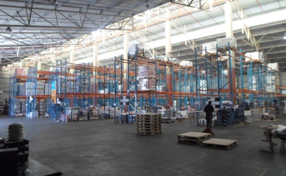 2614m2 Warehouse to let - Westmead