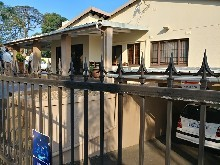 Commercial Offices in Umhlanga Rocks Drive available for sale