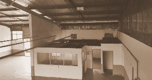 UNIT TO LET IN PROSPECTON WITH OFFICE AND YARD
