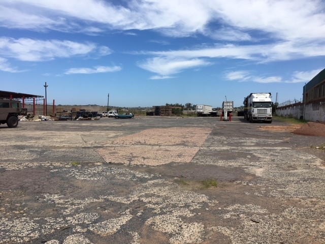 Yard to let in Phoenix Industrial