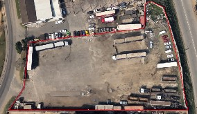 Phoenix Yard to rent