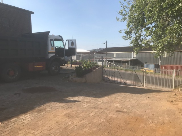 1083m2 Warehouse To Let in Pinetown