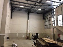 Warehouse to let in Riverhorse Valley