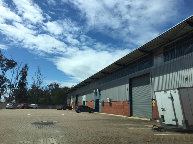 Industrial warehouse to let in Capital Park Mount Edgecombe