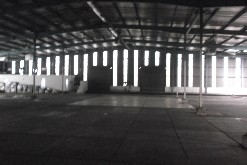 Warehouse with yard available in Prospecton industrial  2000m2 Warehouse with 1000 yard in Prospecton Industrial   Warehouse has multiple roller shutter doors   400amps  Warehouse has natural lighting   Height clearance of 8m