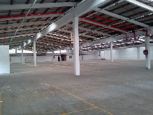 2200m2 Warehouse To Let in New Germany