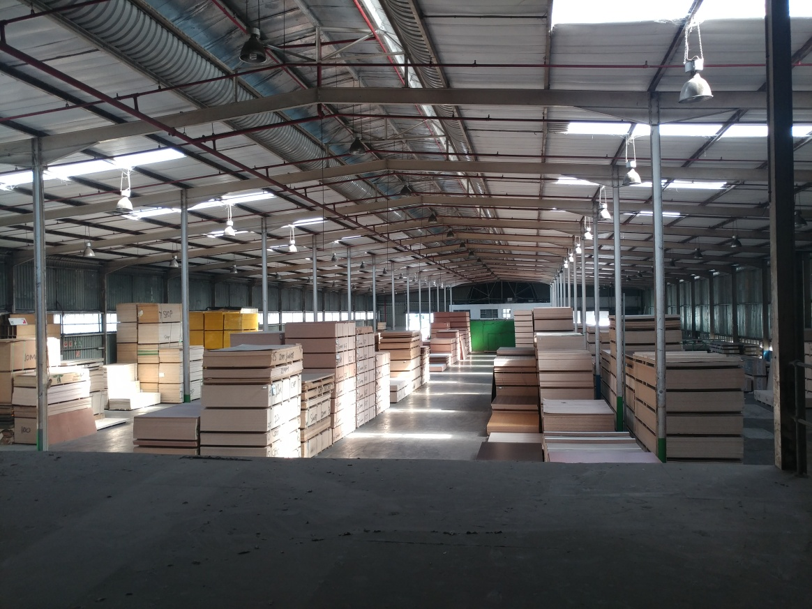 Warehouse for rent in Springfield Park