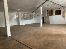 266m2 Factory To Let in Briardene