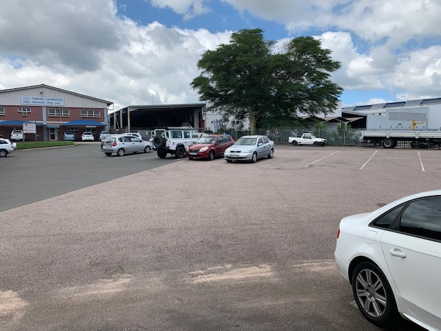 233m2 Factory To Let in New Germany