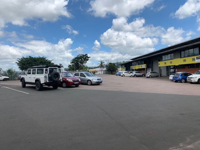 283m2 Factory To Let in New Germany