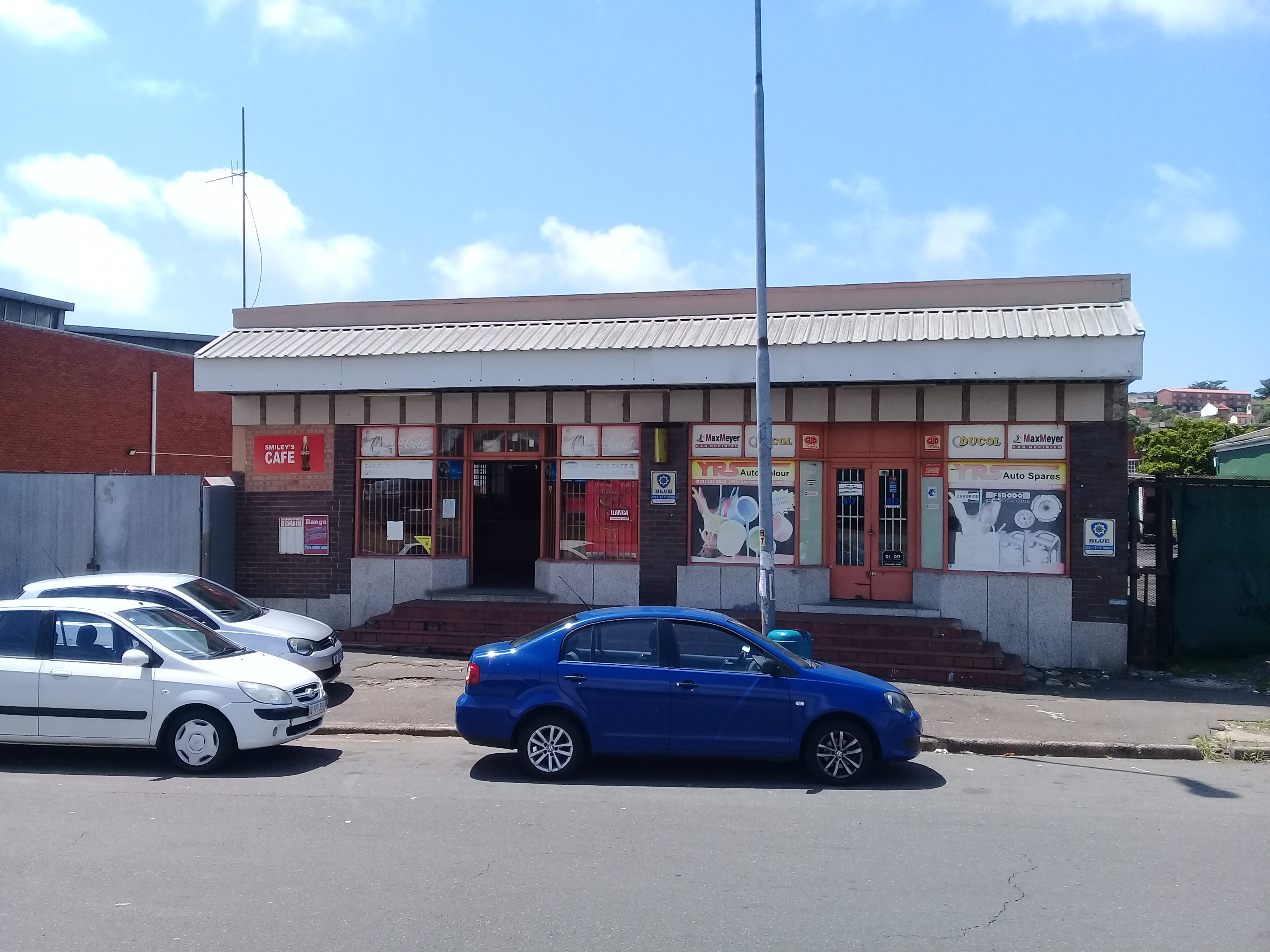Chamberlain road retail for sale