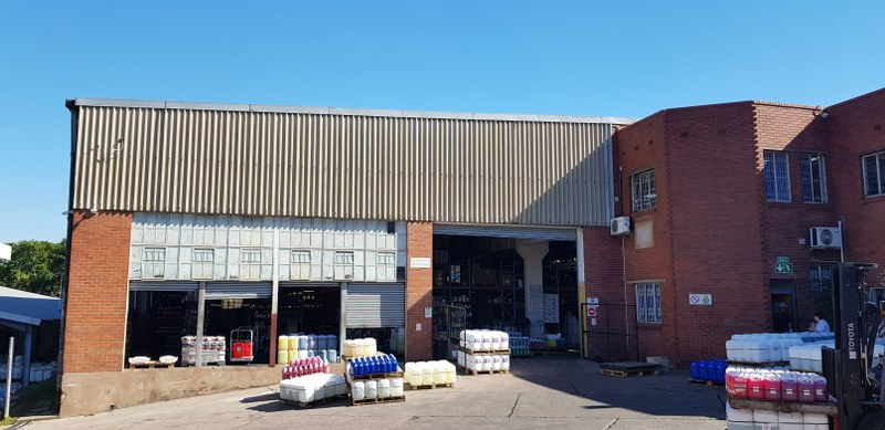 1400m² Warehouse for sale