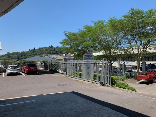 1050m2 Warehouse To Let in Pinetown