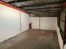 225m2 Warehouse To Let in Springfield