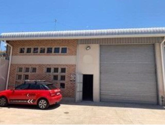 300m2 Warehouse To Let in Briardene