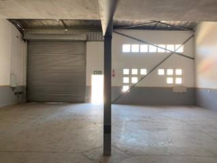 273m2 Warehouse To Let in Springfield