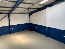 235m2 Warehouse To Let in Glen Anil