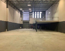 1000m2 Warehouse To Let in Riverhorse