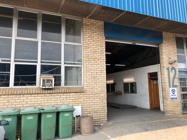 198m2 Warehouse To Let in Glen Anil