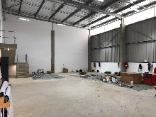 426m2 Warehouse To Let in Cornubia