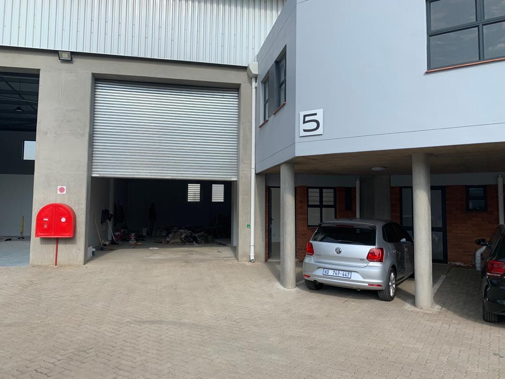 284m2 Warehouse To Let in Cornubia