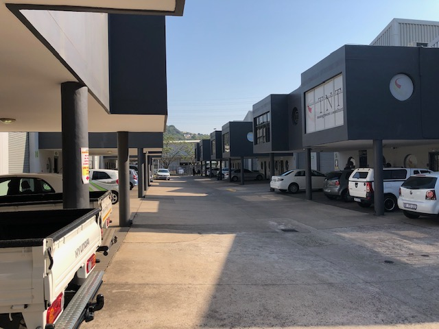 163m2 Factory To Let in Riverhorse