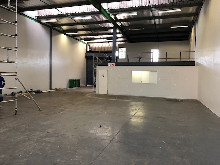 780m2 Warehouse To Let in New Germany