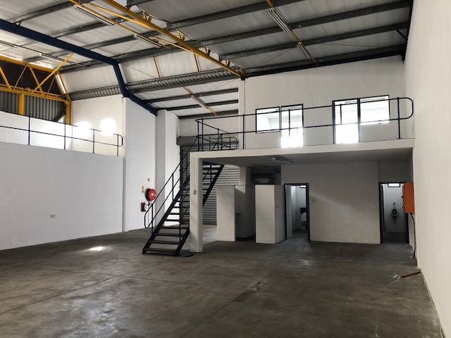 350m2 Warehouse To Let in Red Hill