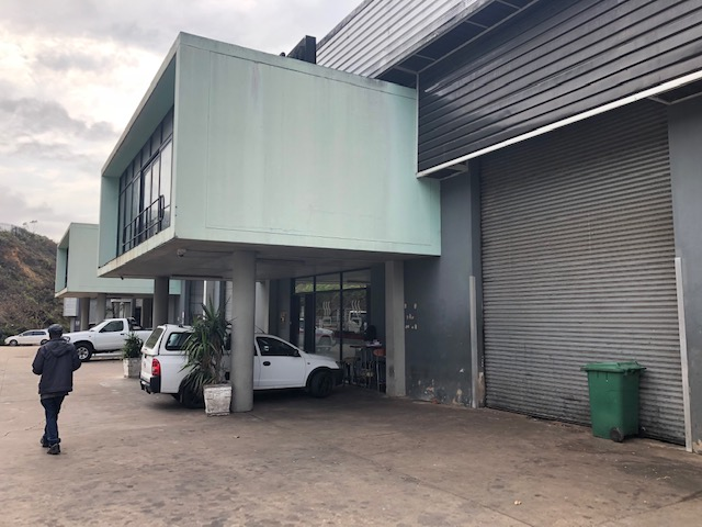 1026m2 Warehouse To Let in Briardene