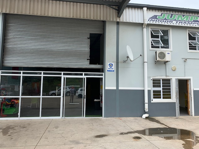 1333m2 Warehouse To Let in Briardene