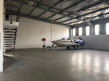 332m2 Warehouse To Let in Glen Anil