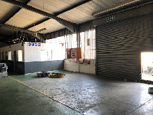 1200m2 Warehouse To Let in Glen Anil