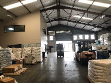 1050m2 Warehouse To Let in Glen Anil