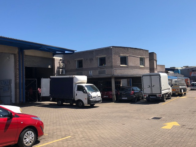 1715m2 Warehouse To Let in Springfield