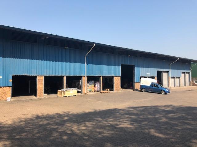 1075m2 Warehouse To Let in Briardene