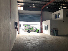 442m2 Warehouse To let in Springfield