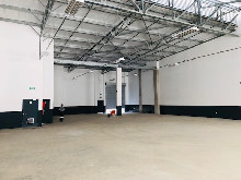 704m2 Warehouse To Let in Riverhorse