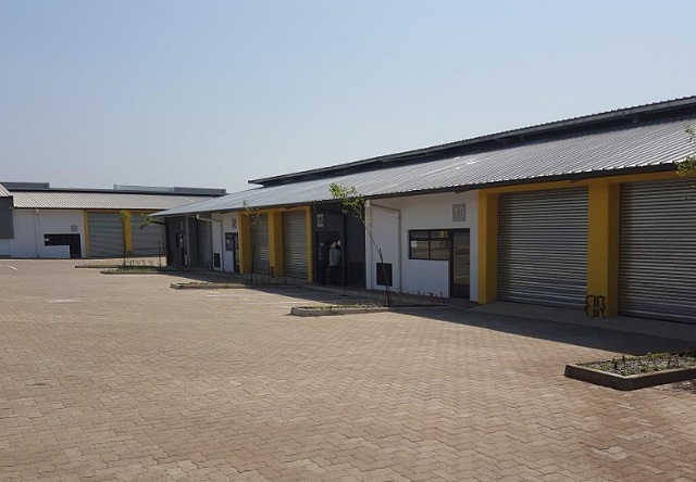 factory to rent/sale Cornubia