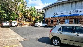 Mahogany ridge, warehouse to let