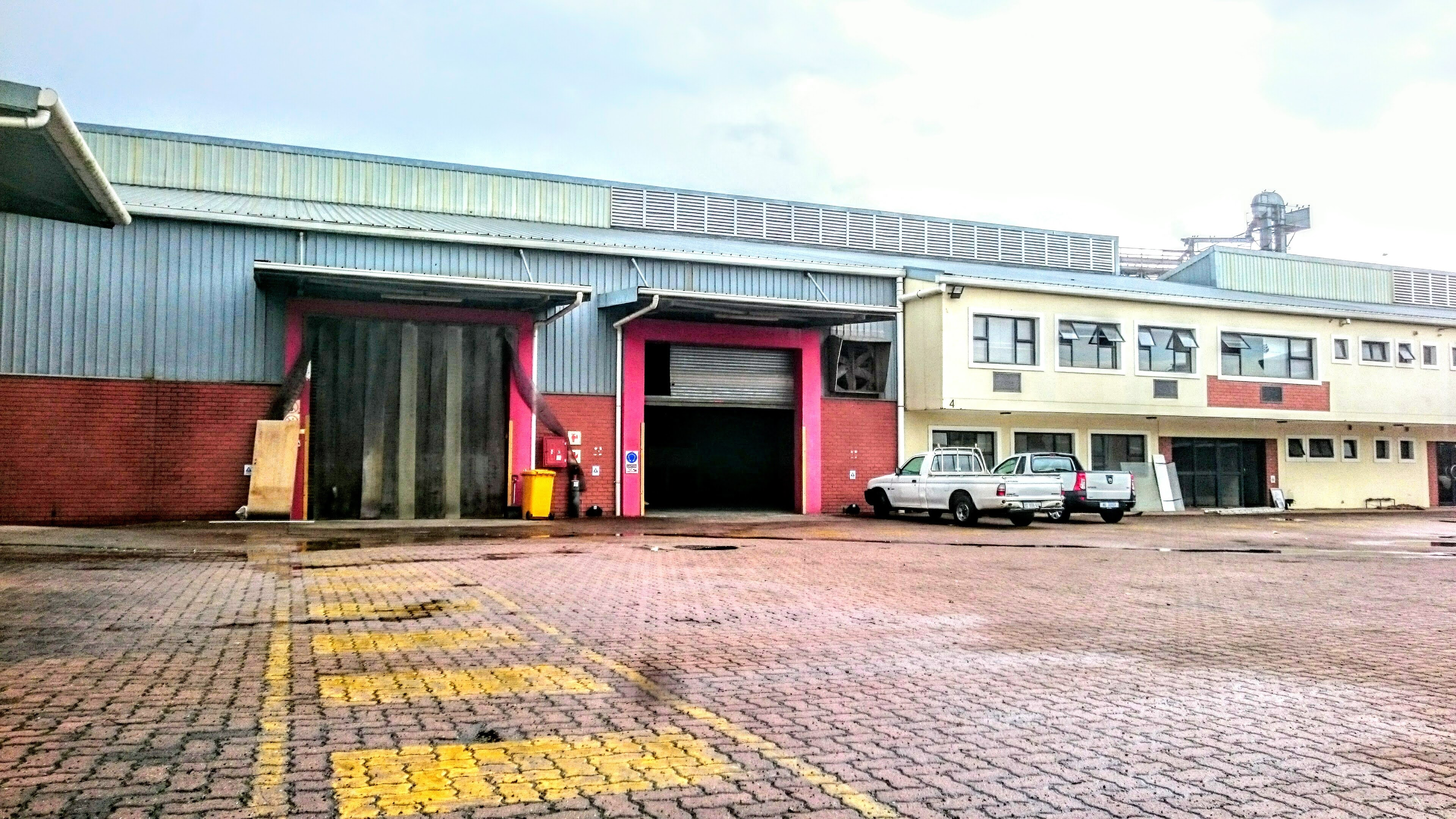 Warehouse to let, Mount edgecombe