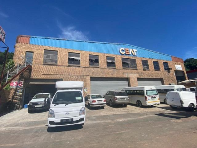Warehouse to rent Briardene