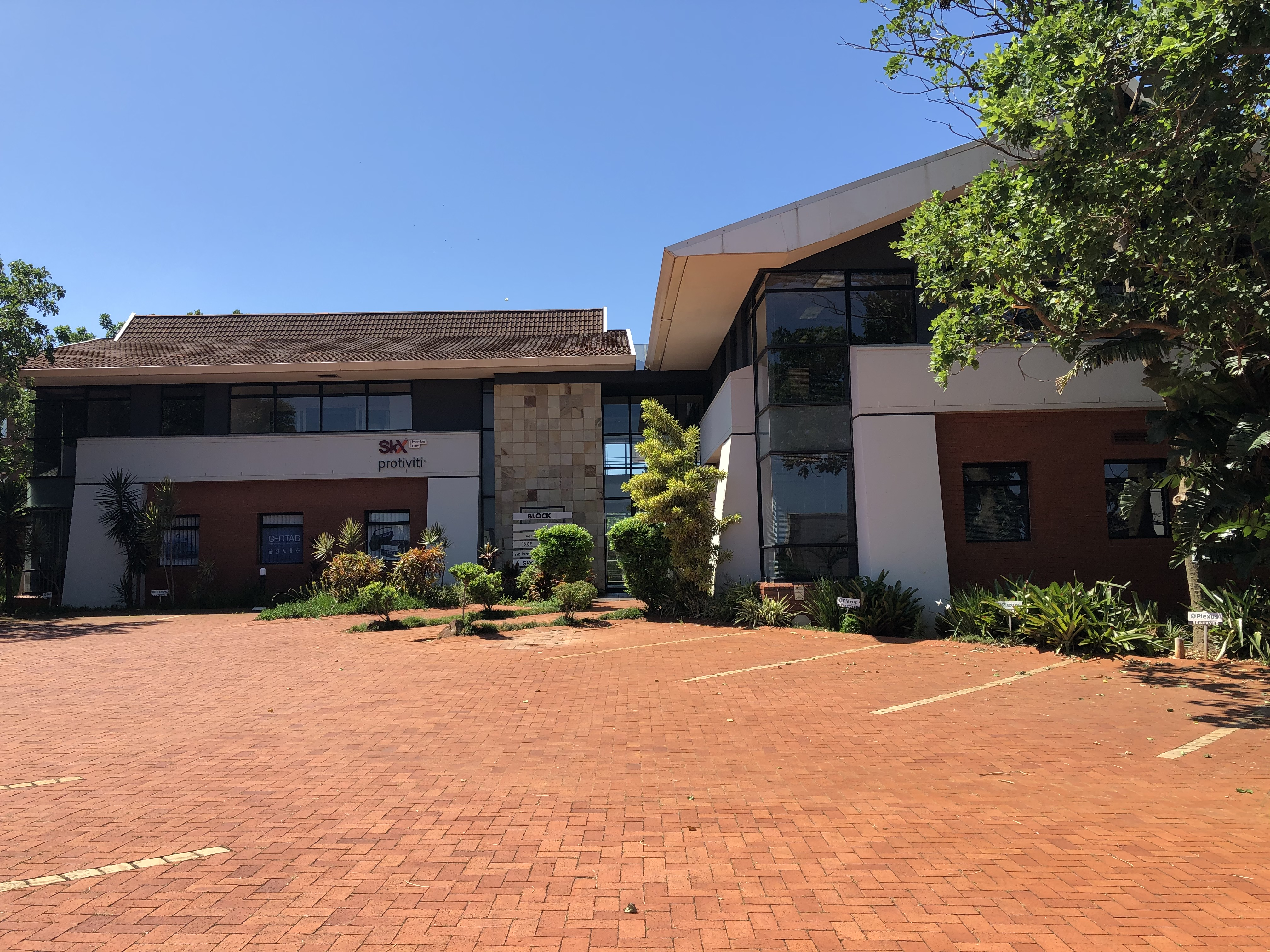 173sqm Office Space To Let In La Lucia