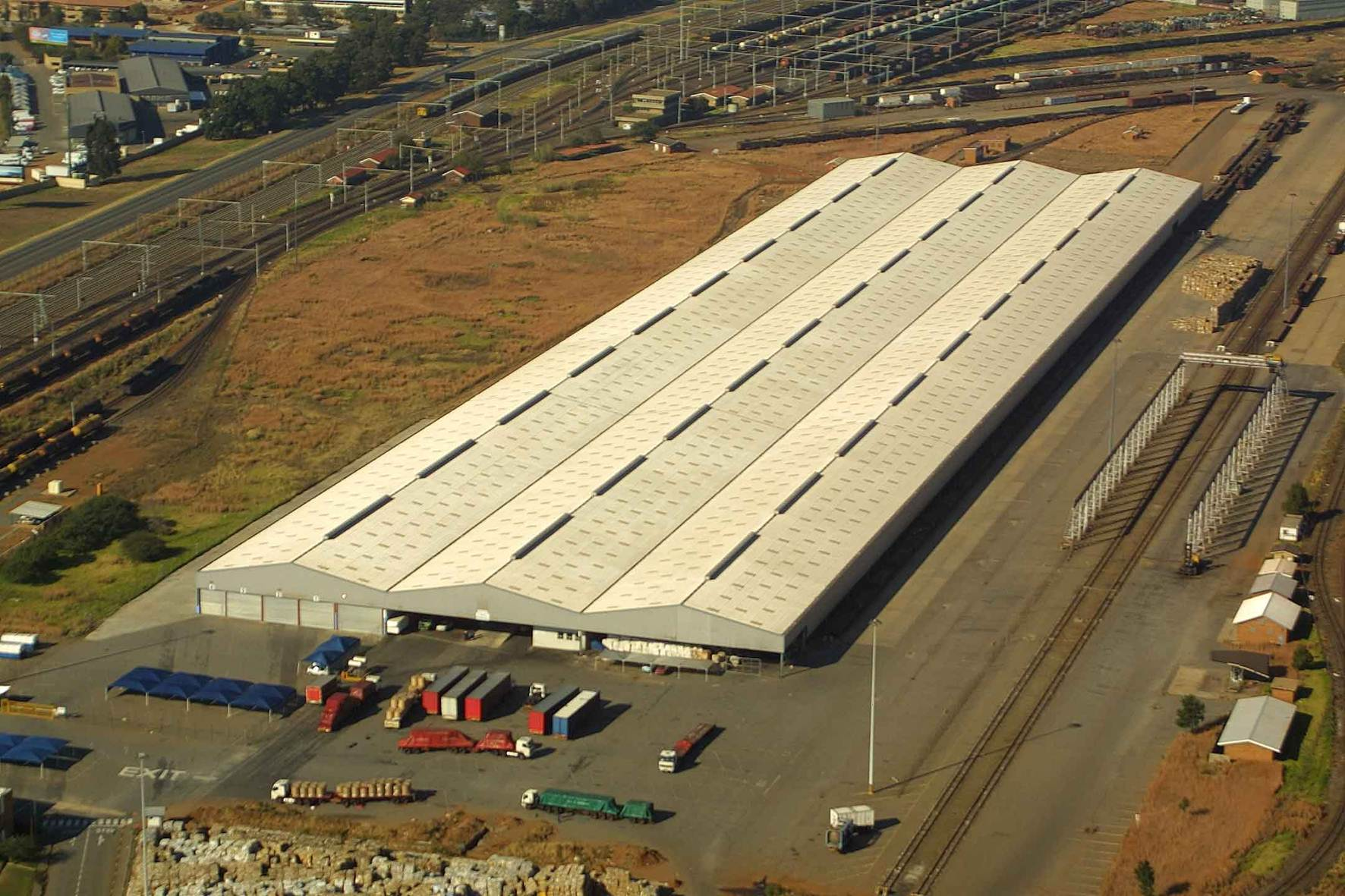PX Distribution Warehouse with Yard
