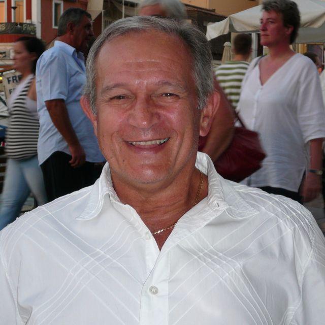 Billy Constantinou